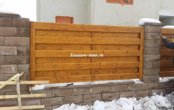 Gard de lemn matrice