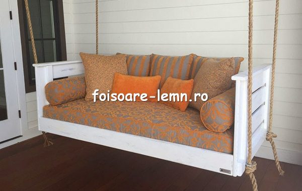 Leagan cu perne decorative